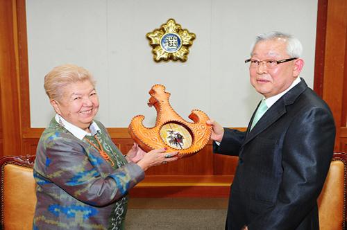 키르기즈공화국 선거관계자(2차) 연수단 중앙위원회 방문  2번째 사진