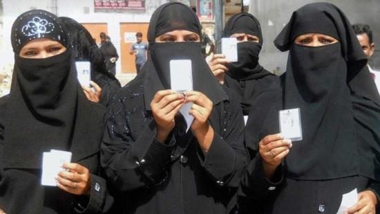 [반전의 선거역사] 사우디아라비아 여성들의 간절함, 손에 쥔 여성 참정권 관련이미지3