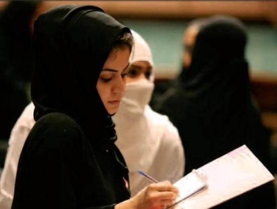 [반전의 선거역사] 사우디아라비아 여성들의 간절함, 손에 쥔 여성 참정권 관련이미지4