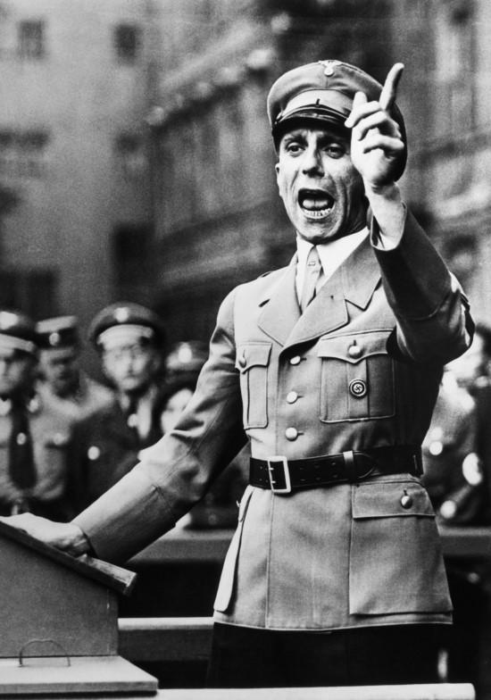 [선거와 세계역사] 나치는 어떻게 독일을 매혹했을까 ? 괴벨스의 선동 4원칙 관련이미지2